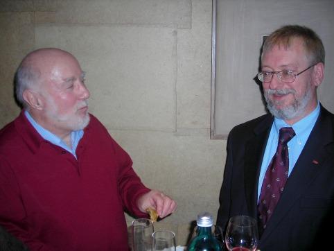 Im lebhaften Gespräch: Heinz Krichbaum und Alfred Arndt.