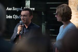 Mike Josef, Baudezernent und Repräsentant der Stadt Frankfurt, und Martina Janssen, 2005 eine der Teamerinnen des ersten International work and study camps der MH-Stiftung.